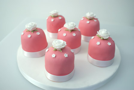 Mini wedding cakes click on an image for more information and prices
